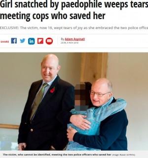 【海外発!Breaking News】13年前に小児性愛者に誘拐された少女、救ってくれた警官2人と涙の再会(英)