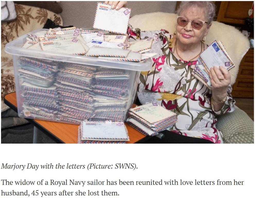 亡き夫からのかつての手紙を「ゆっくり読み進めているの」と84歳女性(画像は『Forces Network 2018年11月22日付「Widow Reunited With Love Letters Sent By Sailor Husband」(Picture: SWNS)』のスクリーンショット)