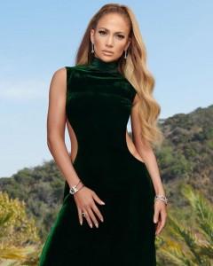 美容の秘訣も語ったジェニファー(画像は『Jennifer Lopez 2018年10月31日付Instagram「December 2018 @instylemagazine」』のスクリーンショット)