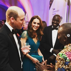 キャサリン妃の美しさに「女神のよう」とも(画像は『Kensington Palace 2018年11月8日付Instagram「Last night The Duke and Duchess of Cambridge attended the Tusk Conservation Awards 2018.」』のスクリーンショット)