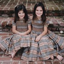 【イタすぎるセレブ達】ケンダル・ジェンナーが23歳に 妹カイリーとの幼少期写真に600万「いいね!」