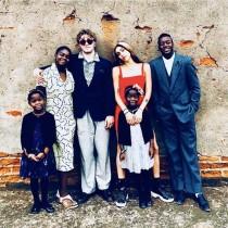 マドンナ、子供6人全員集合の超レア写真公開