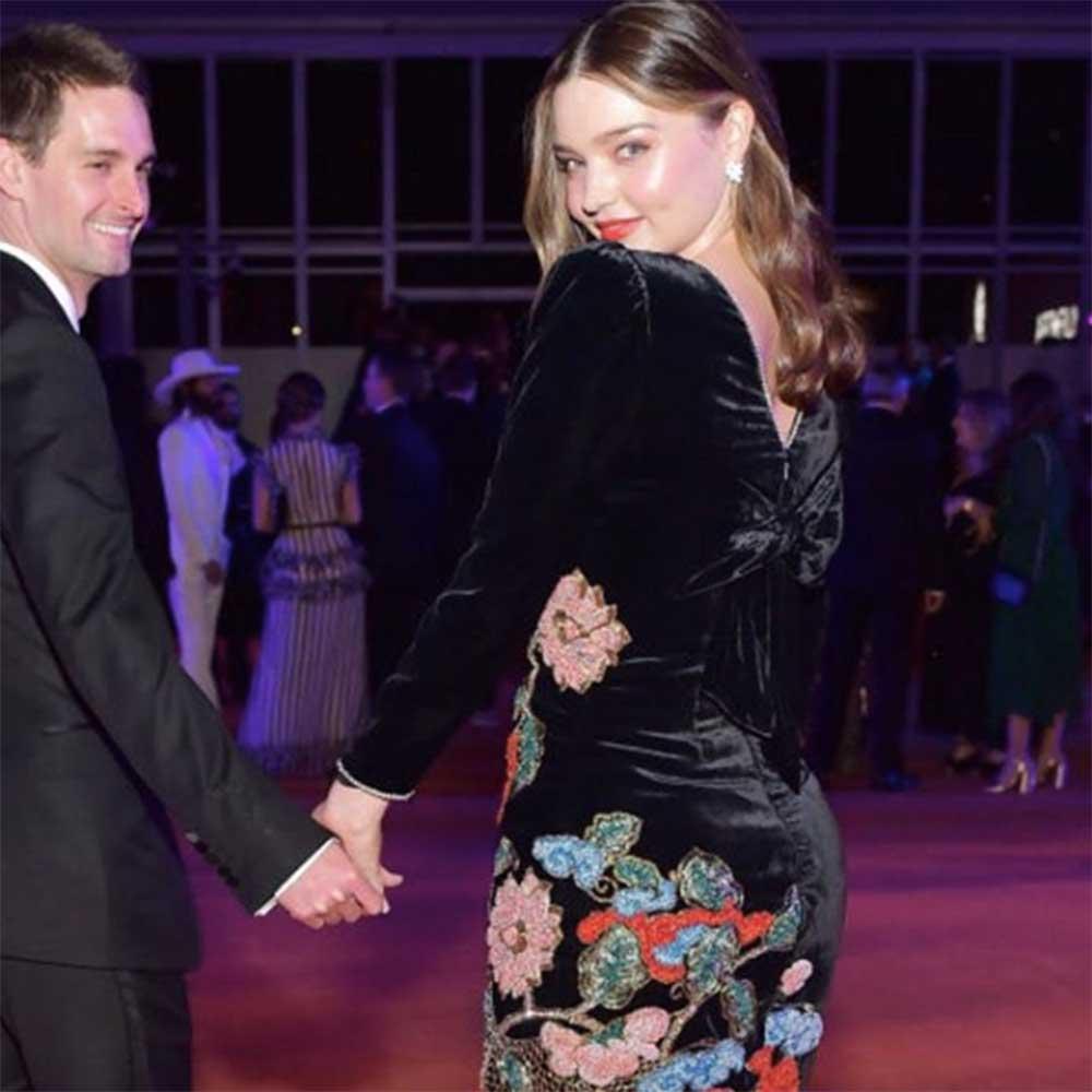 おしどり夫婦のエヴァン・シュピーゲル氏とミランダ・カー(画像は『Miranda 2018年11月3日付Instagram』のスクリーンショット)