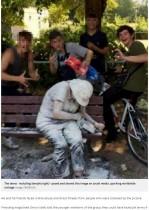 【海外発!Breaking News】少年ら、精神疾患を抱える女性に小麦粉や卵を浴びせ写真撮影(英)