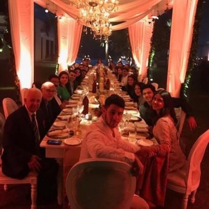 【イタすぎるセレブ達】ニック・ジョナス、感謝祭は婚約者プリヤンカー・チョープラーの家族とインドで過ごす