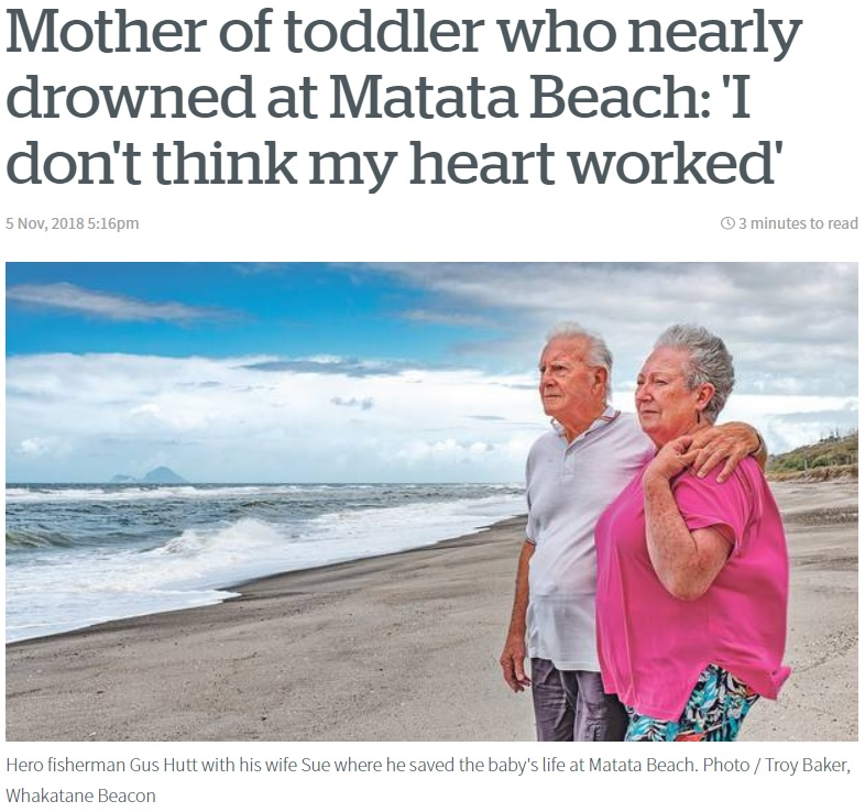マラチ君を救助したガスさんと妻のスーさん(画像は『NZ Herald 2018年11月5日付「Mother of toddler who nearly drowned at Matata Beach: 'I don't think my heart worked'」(Photo / Troy Baker, Whakatane Beacon)』のスクリーンショット)