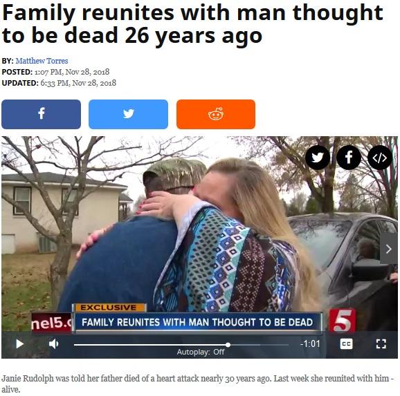 26年ぶりに父親と娘が涙の再会(画像は『News Channel 5 2018年11月28日付「Family reunites with man thought to be dead 26 years ago」』のスクリーンショット)