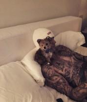 【イタすぎるセレブ達】ジャスティン・ビーバー&ヘイリー・ボールドウィン、可愛い子犬を「息子」と紹介