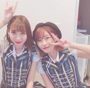 松岡菜摘と指原莉乃(画像は『松岡菜摘 2018年12月16日付Instagram「さみしい。」』のスクリーンショット)