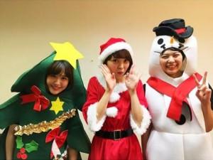 クリスマスイベントでコスプレしたNegiccoのNao☆、Kaede、Megu(画像は『Negicco Nao☆ 2018年12月24日付Instagram「Negiccoクリスマスイベントありがとうございました」』のスクリーンショット)