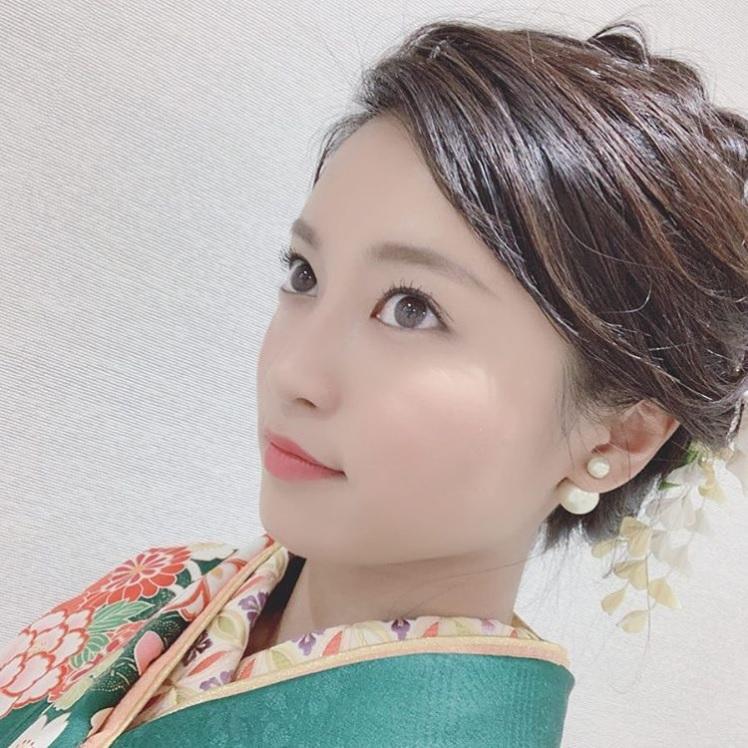 25歳の誕生日を迎えた小島瑠璃子(画像は『小島瑠璃子 2018年12月23日付Instagram「25歳になりました。」』のスクリーンショット)