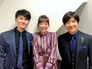 【エンタがビタミン♪】佐藤栞里、ウッチャンナンチャンとの3ショットに大興奮 「この一枚は玄関に飾る!」