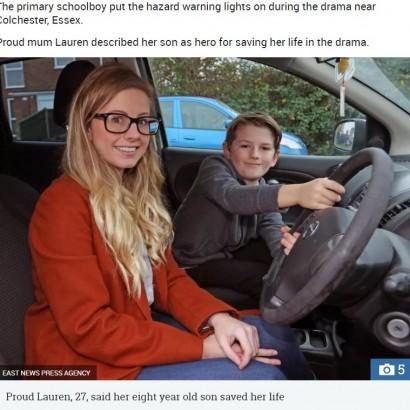 【海外発!Breaking News】8歳少年、高速道路で発作を起こした母に代わり車を停止させる(英)