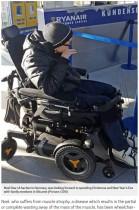 【海外発!Breaking News】ライアンエアー、車椅子の乗客を「安全上の理由」で機内から追い出す(独)