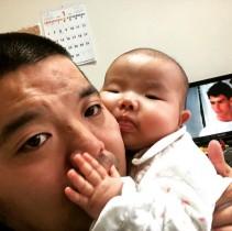 【エンタがビタミン♪】セルライトスパ大須賀、5か月の娘にデレデレ 「似ちゃったねぇー」ファンほっこり