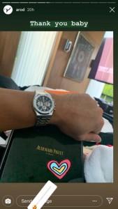 ジェニファーがアレックスに贈った高級時計(画像は『Alex Rodriguez 2019年2月14日付Instagram』のスクリーンショット)