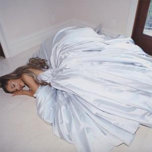 ドレス姿のアリアナに「シンデレラのよう」と絶賛の声(画像は『Ariana Grande 2019年2月10日付Instagram』のスクリーンショット)