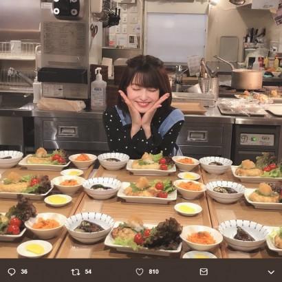 【エンタがビタミン♪】岸明日香がお店の調理場に イベントと知らず出勤した従業員もビックリ