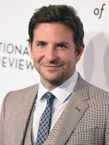 【イタすぎるセレブ達】ブラッドリー・クーパー、アカデミー賞監督賞の候補から外れ「恥ずかしかった」