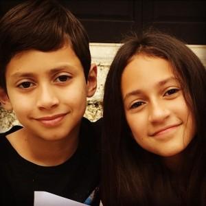 【イタすぎるセレブ達】ジェニファー・ロペスの双子が11歳に 成長記録の動画再生回数が合計950万回超<動画あり>
