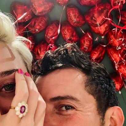 【イタすぎるセレブ達・Flash】祝婚約ケイティ・ペリー&オーランド・ブルーム 婚約指輪が「ケイティらしい」