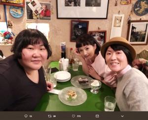 【エンタがビタミン♪】安藤なつ、千秋&光浦靖子と食事会 「黒いなつさんカッコイイ」の声