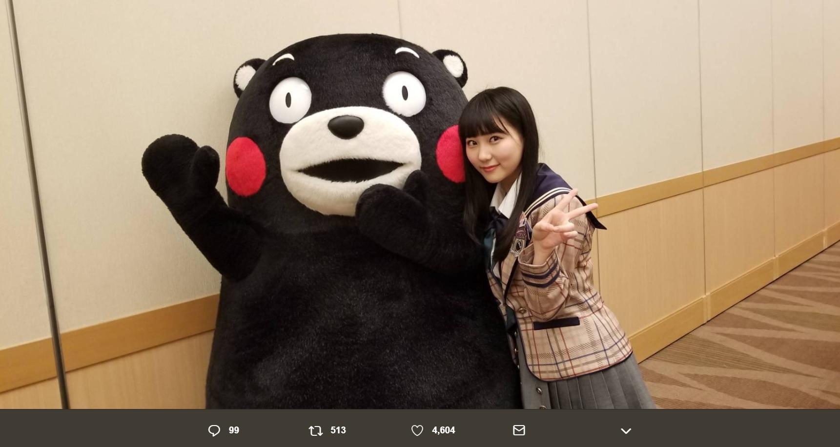 くまモンと田中美久(画像は『田中美久 2019年2月16日付Twitter「早速!! #佐藤弘道 さん #安田美沙子 さん #くまモン ちゃんにお会いしました」』のスクリーンショット)