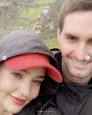 【イタすぎるセレブ達】ミランダ・カー、夫と一緒にマチュピチュ登頂