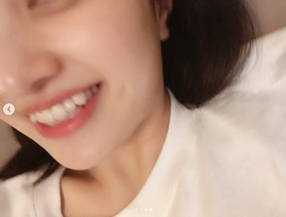 「可愛い歯並びなのにもったいない」の声も(画像は『百田夏菜子 ももいろクローバーZ 2019年2月6日付Instagram「好きって言ってくださる方も多いので....」』のスクリーンショット)