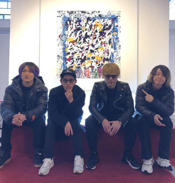 ONE OK ROCKと『Eye of the Storm』のビジュアル(画像は『ONE OK ROCK 2019年2月9日付Instagram「Eye of the Storm !」』のスクリーンショット)