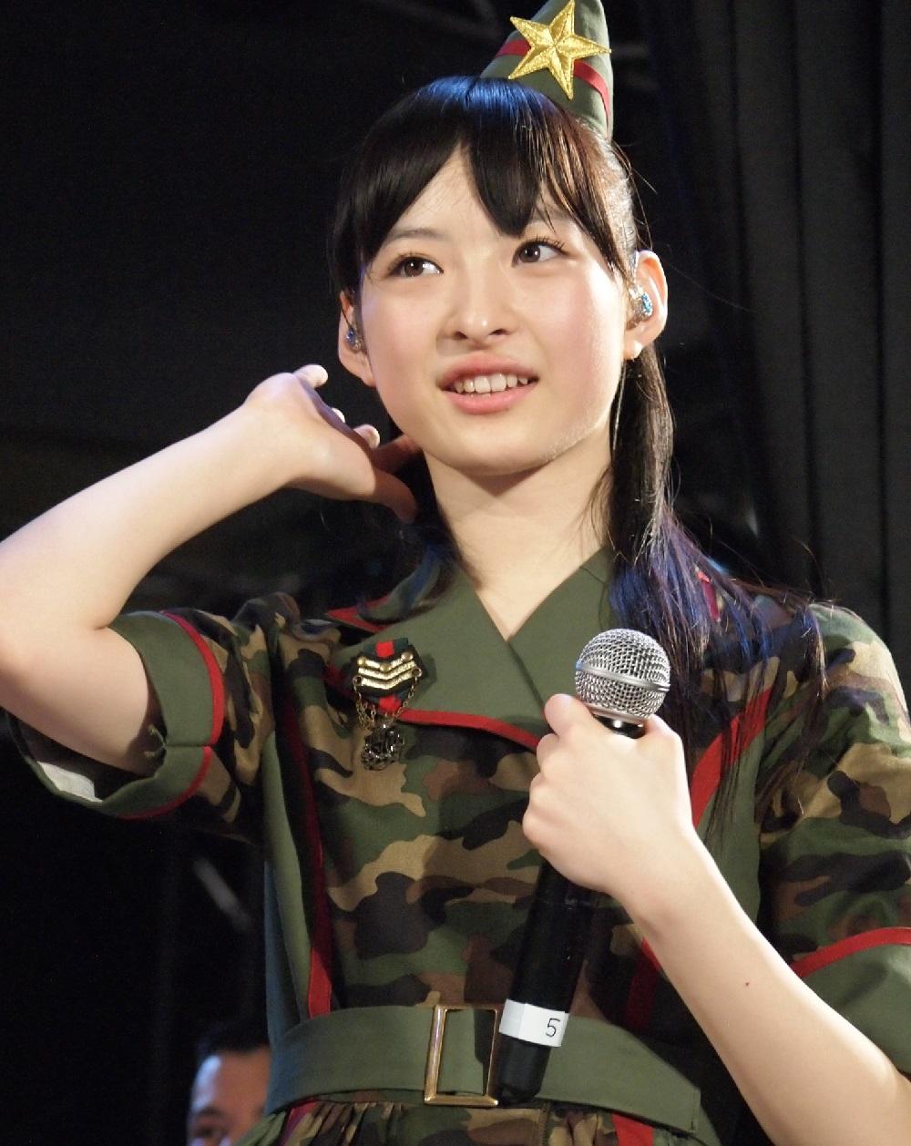 2015年4月『ニコニコ超会議2015』での松野莉奈さん