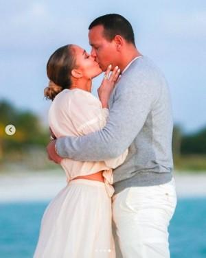 【イタすぎるセレブ達】ジェニファー・ロペス&アレックス・ロドリゲス、婚約果たし「2人ならもっと強くなれる」