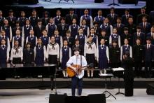 【エンタがビタミン♪】秦基博 『ひまわりの約束』で復興願う 「一緒に歌えることがいい思い出に」