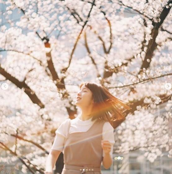 弘中アナ、学生時代は「軸がぶれてた」とも(画像は『弘中綾香(公式) 2019年3月28日付Instagram「みなさまから頂いた質問にお答えします回」』のスクリーンショット)