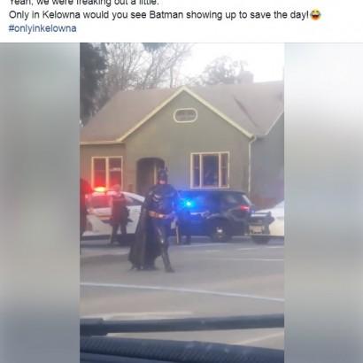 【海外発!Breaking News】バットマンに扮した男性、事件現場に駆けつけるも警察官に追い払われる(カナダ)<動画あり>