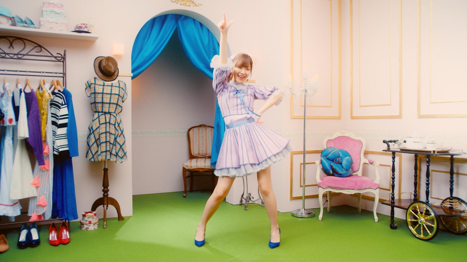 指原莉乃『私だってアイドル!』MVより(C)AKS/キングレコード