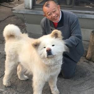 """【エンタがビタミン♪】笑福亭鶴瓶、ブサかわ犬""""わさお""""との2ショットに「顔似てるんですけど」の声"""