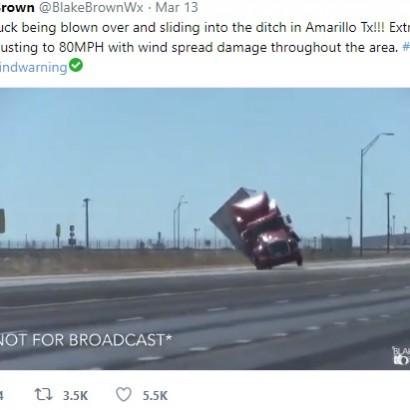 【海外発!Breaking News】18輪大型トレーラーが強風に煽られ横転「まるでおもちゃ」(米)<動画あり>