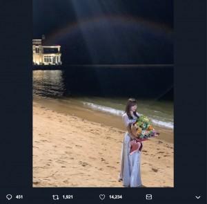 『いつだってそばにいる』MVエンディングのオフショット(田中美久撮影)(画像は『指原莉乃 2019年4月9日付Twitter「カップリング曲、いつだってそばにいるのMVが解禁されました!」』のスクリーンショット)