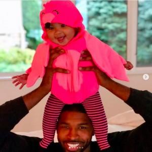 父トリスタンもトゥルーちゃんとのツーショットを投稿(画像は『Tristan Thompson 2019年4月12日付Instagram「True-ly Perfect My baby girl is one today.」』のスクリーンショット)