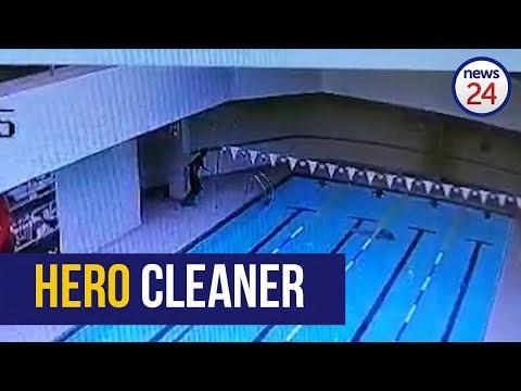 応急処置の訓練を受けていないジム清掃員が人命救助に貢献(画像は『News24 2019年4月9日公開 YouTube「WATCH: Hero gym cleaner saves swimmer from drowning」』のサムネイル)