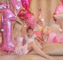【イタすぎるセレブ達】クロエ・カーダシアン、出産から激動の日々乗り越えて 愛娘が1歳に