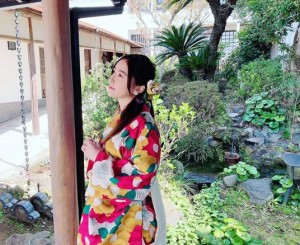 アイドル棋士役の松井珠理奈(画像は『松井珠理奈 2019年4月16日付Instagram「緊急取調室第2話みてくださいね」』のスクリーンショット)