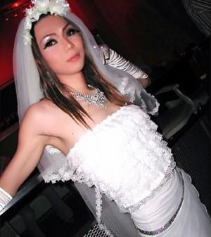【エンタがビタミン♪】ミッツ・マングローブ、15年前のウェディングドレス姿に驚きの声 「MAXのリナさんかと」