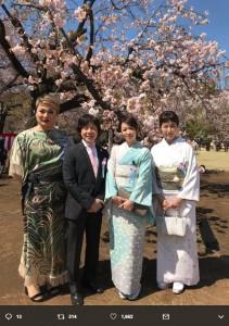 ナジャ・グランディーバ、佐藤弘道、辺見えみり、高島礼子(画像は『佐藤弘道 2019年4月13日付Twitter「今日は桜を見る会に呼んで頂きました。」』のスクリーンショット)