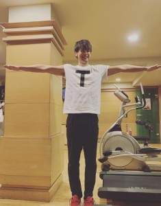 竹内涼真もTT兄弟(画像は『竹内涼真 2019年4月11日付Instagram「T T兄弟。」』のスクリーンショット)