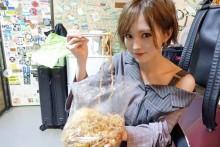 【エンタがビタミン♪】山本彩、栃木・宇都宮ライブでご当地グルメ堪能 「袋焼きそばも美味しかった!」