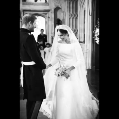 【イタすぎるセレブ達】ヘンリー王子&メーガン妃、結婚1周年を迎え挙式の未公開画像を一挙公開<動画あり>