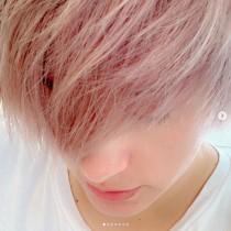 """【エンタがビタミン♪】梅宮アンナ、地毛の黒髪が「大嫌い」 定期的なブリーチで""""ピンクグレー""""カラーに"""
