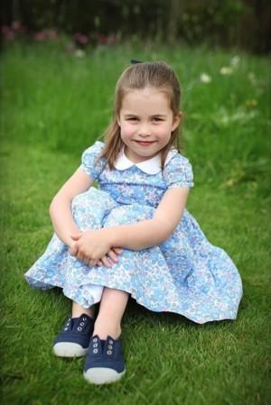 【イタすぎるセレブ達】シャーロット王女が4歳に ウィリアム王子やエリザベス女王に「そっくり」の声多数